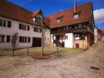 Zirndorf - großzügige Büroeinheit in ausnehm. charm. Fachwerkhaus im Herzen Zirndorfs