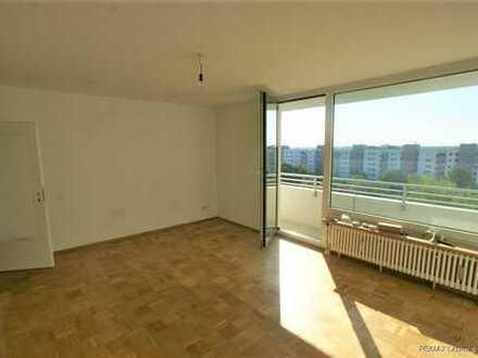 Germering  Helle und moderne 3 Zimmerwohnung mit großem Balkon WG geeignet
