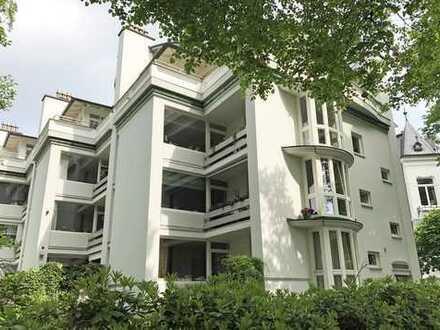 renovierte Maisonettewohnung in Alsternähe