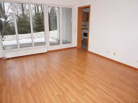 Moderne 1-Zi.-Whg. mit EBK in TOP Lage mit Balkon/Laminat/Wanne !
