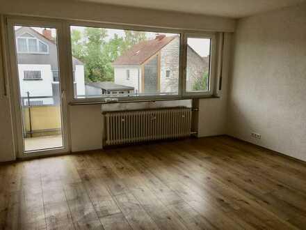 Vollständig renovierte 3-Zimmer-Wohnung mit Balkon in Haßloch