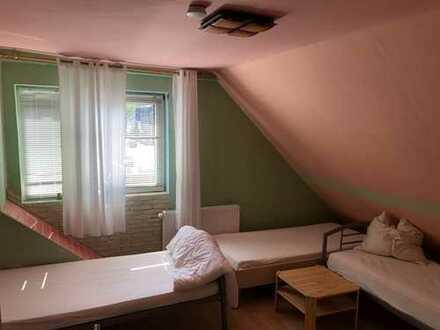 4 Whg, - 8-Zimmer-Mehrfamilienhaus mit Einbauküche , Terrasse