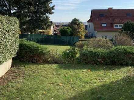 Einzimmer-Appartment mit kleinen Garten, Keller und Stellplatz direkt vom Eigentümer zu verkaufen.