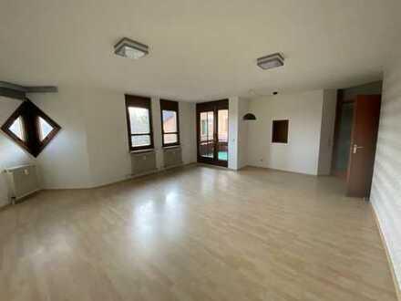 Große 2-Zimmer-Wohnung in Bissingen (Ortszentrum)