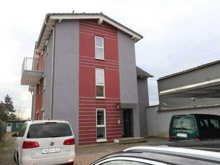 Gepflegte 3-Zimmer Wohnung mit Balkon und Einbauküche in Stutensee-Blankenloch zu vermieten!