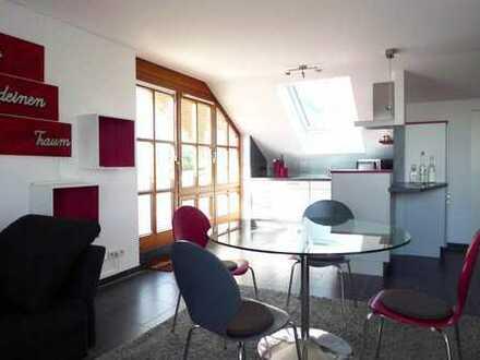 Komplett möblierte 2 1/2-Zimmerwohnung mit sonnigem Balkon an WOCHENENDPENDLER