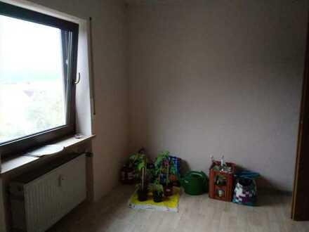 Schöne DG-Wohnung mit drei Zimmern in Kammerstein