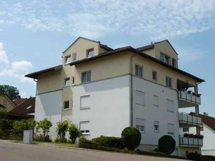 Moderne helle 4,5 Zimmer Dachgeschoß-Wohnung mit wunderschöner Aussicht in Donzdorf