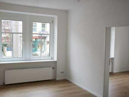 Erstbezug nach Sanierung - helle und große 5 Zimmer Wohnung