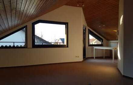 2-Zimmer-Dachgeschosswohnung mit Loggia und Einbauküche in Asperg