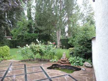 Bad Homburg*** Einfamilienhaus mit schöner Terrasse und großem Garten in beliebter Wohngegend.***