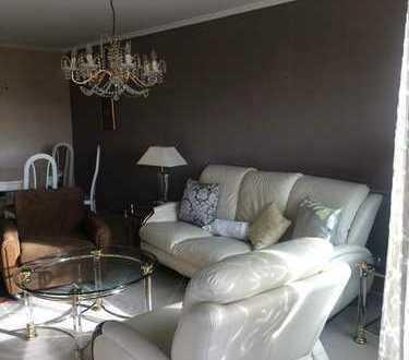 900 €, 80 m², 3 Zimmer