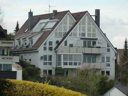 Schöne, gepflegte 3,5-Zimmer-Wohnung mit 2 Balkonen in traumhafter Aussichtslage in Leonberg