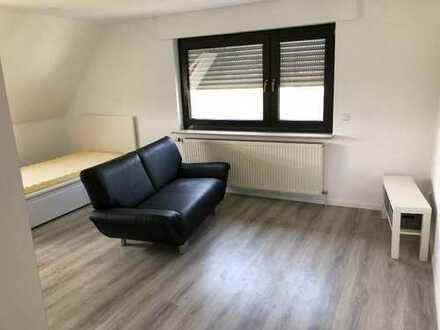 Möbliertes Zimmer (20qm) in 2er WG, nichtraucher (nähe Porsche/Bosch/AKKA/Bertrandt)