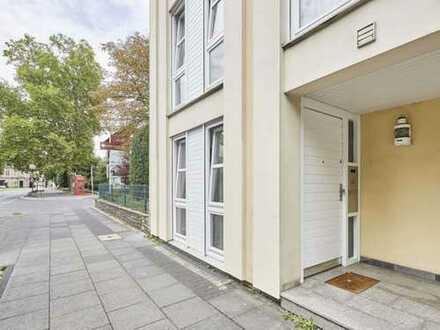 (Traum in der Innenstadt) Modernisierte 3,5-Zimmer-Wohnung, Parkettboden, Terasse zum Garten und EBK