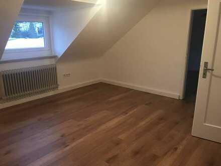 Modernisierte 3-Zimmer-Dachgeschosswohnung mit Einbauküche in Pforzheim
