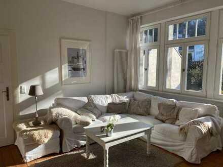 Sanierte 3,5-Zimmer-Dachgeschosswohnung mit vier kleinen Balkonen und Einbauküche in Heidelberg