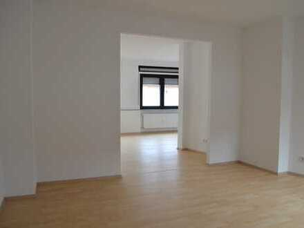Kelkheim-Mitte Familienfreundliche Großwohnung mit 5 Zimmer und 140qm Wfl. auf 2 Etagen