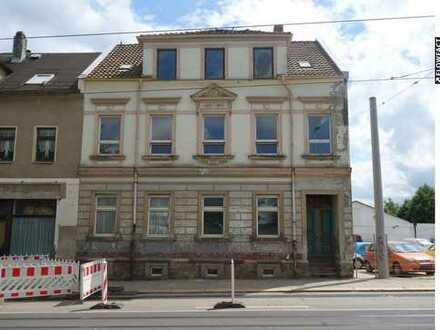 """ Zwickauer Mehrfamilienhaus """