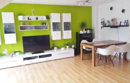 Schöne helle 3-Zimmer-Dachgeschosswohnung mit Balkon und Stellplatz in Großkrotzenburg - Nähe See!