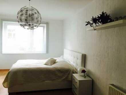 Hochwertig möblierte, renovierte 3-Zimmer Wohnung mit Balkon und Einbauküche in Hannover