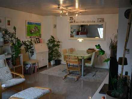 Helle moderne 3 Zimmer Dachgeschoswohnung ***klimatisiert***