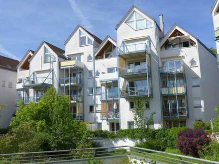 Seenahe 2-Zimmer-Wohnung mit geräumigem Ost- u. Südwestbalkon nur 200 m vom See entfernt