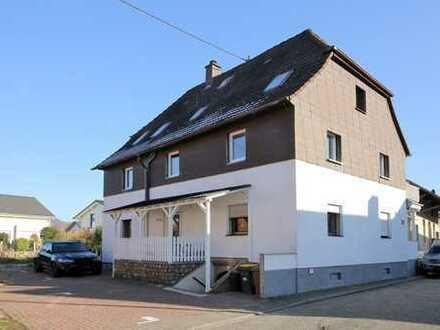 Schöne 2-Zimmer-Wohnung mit Studio