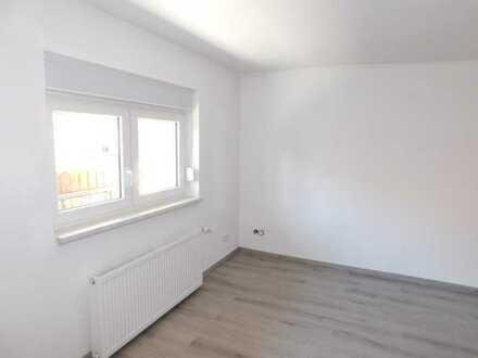 2 Zimmerwohnung mit Balkon-Erstbezug nach Sanierung