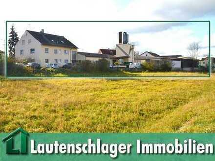 Büro- und Sozialtrakt, 4 Hallen, 3-Parteien-Haus und Garagen in bester Lage von Allersberg