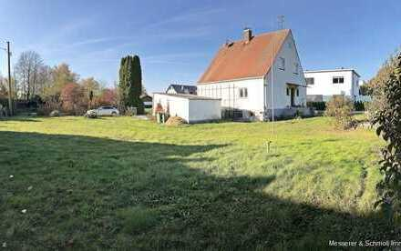 Sonniges Baugrundstück in ruhiger Randlage der Stadt Freising/Lerchenfeld für EFH - Teilung möglich!