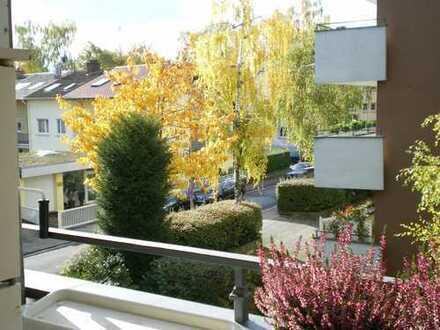 Sonnige, helle und ruhige 3 ZKB mit 2 Balkonen