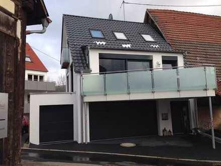Hochwertiges und modern ausgestattetes Einfamilienhaus in Korb m. Doppelgarage + 1 PKW-Stellplatz!