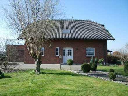VON PRIVAT Modernes freistehendes EFH direkt neben Bauernhof in Randlage von Willich-Anrath