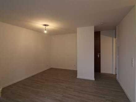 Neu renoviertes Apartment mit Balkon und TG Stellplatz!