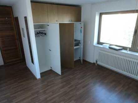 """KL - Ost, 1 Zimmer Appartement, Pantryküche, Tageslichtbad """"Aufzug"""""""