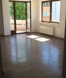 **Geräumige 3-Zimmer-Wohnung mit Balkon**