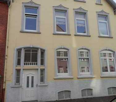 Große 3-Zimmer-Wohnung mit Terrasse im Erdgeschoss zu vermieten!