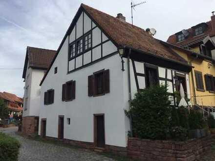 Schönes und besonderes Fachwerkhaus in der Burgfeste