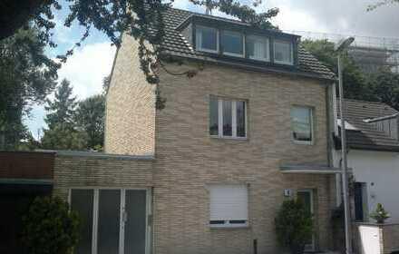 Großzügige 3 Zimmer Maisonette Wohnung mit großer Terrasse in Unterbilk