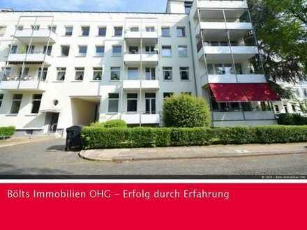 Studenten Willkommen ! Großzügige 2-Zimmer-Wohnung mit schöner Wohnküche und Südbalkon - WG tauglich