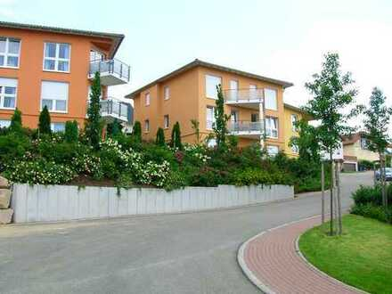Top moderne 4-Zimmer Wohnung mit Balkon und 2 Tiefgaragenplätzen in schöner Lage