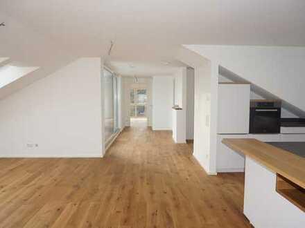 Attraktive Dachgeschoss-Wohnung in Bestlage