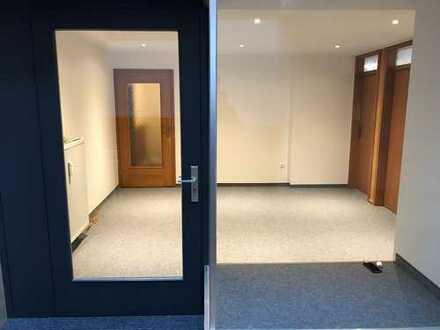 Büro-/Praxisräume/Laden
