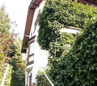 Von Privat. Sehr schöne gepflegte Doppelhaushälfte 136 m2 Wohnfläche + 25 m2 Nutzfläche