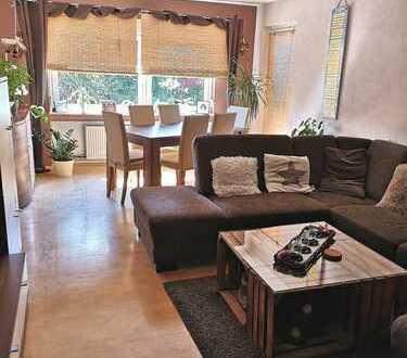 Gepflegte 4-Zimmer-Wohnung mit Balkon und EBK in Maintal