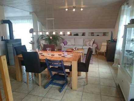 Vollständig renovierte 5-Zimmer-Wohnung mit Balkon und Einbauküche in Breisach-Gündlingen