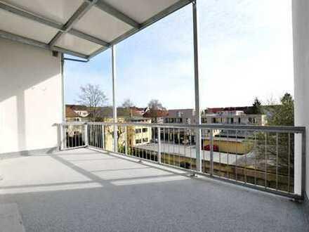 Holtenauer Str. mit GROSSEM Balkon: Herzlich willkommen!