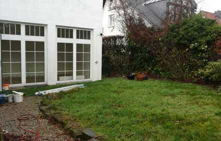 Freundliche, gepflegte 5-Zimmer-Maisonette-Wohnung mit gehobener Innenausstattung nahe Baldeneysee