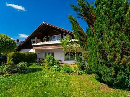 Großzügiges Wohnhaus in beliebter Wohnlage mit vielfältigen Möglichkeiten!